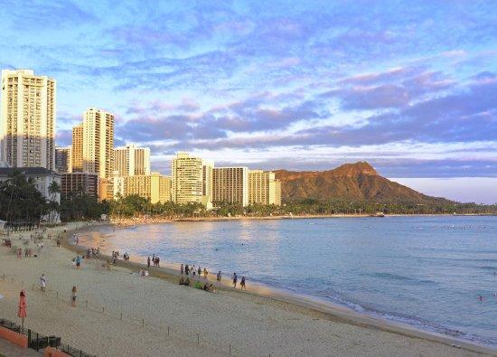 The Royal Hawaiian, a Luxury Collection Resort: Waikiki Beach