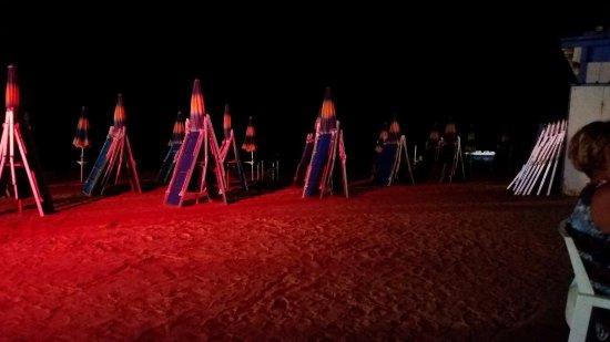 Mykonos: spiaggetta notte