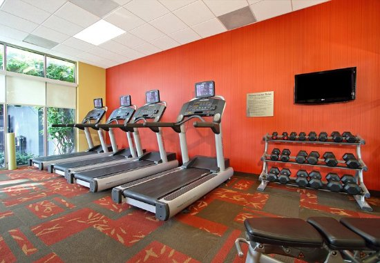 Courtyard Oakland Downtown: Fitness Center - Cardio and Free Weights