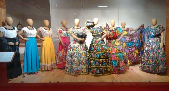 Centro de Textiles del Mundo Maya: IMG_20170809_235129_large.jpg