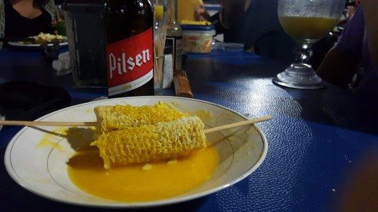 San Rafael de Escazu, Costa Rica: Nada mejor que disfrutar de una buena cerveza con un delicioso platillo.