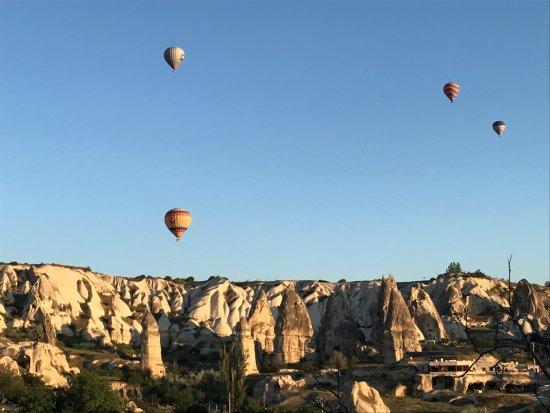 Göreme Kaya Otel: Otelden balonlar