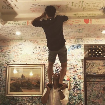 Hostaria Romana: Writing on the walls after dinner!