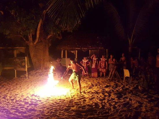 Lalomanu, ซามัว: Fia fia night