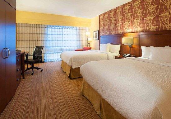 Mankato, MN: Queen/Queen Guest Room