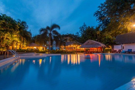 Twin Lotus Resort And Spa By Burasari