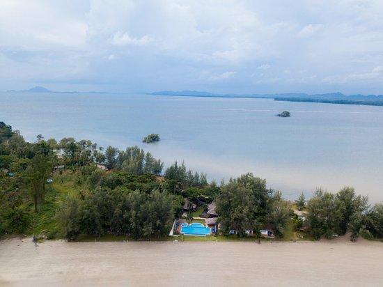 Twin Bay Resort Hotel - room photo 3069070