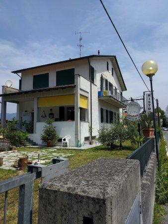 Piano di Follo, Italy: L'ingresso