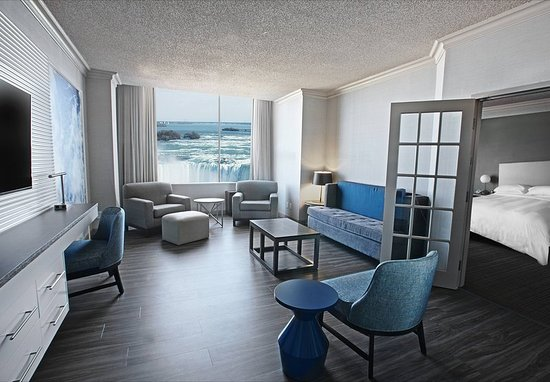Niagara Falls Marriott on the Falls: One-Bedroom Presidential Suite