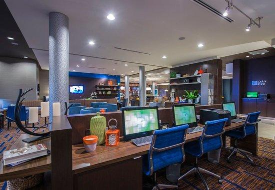 Columbus, Mississippi: Business Center & Quick Print Station