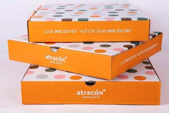 Pizzeria Atracon SL.: Pedidos a domicilio todos los días de al semana