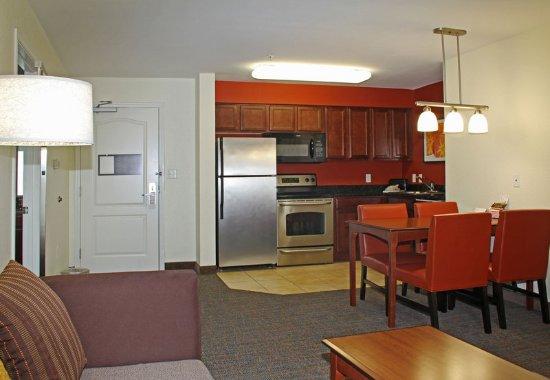Killeen, TX: Two-Bedroom Suite