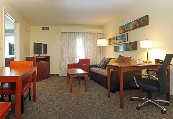 Killeen, TX: One-Bedroom Suite