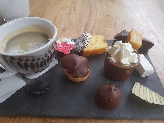 Beroemd Koffie met iets lekkers - Foto van Cafe Stout, Arnhem - TripAdvisor @FQ88