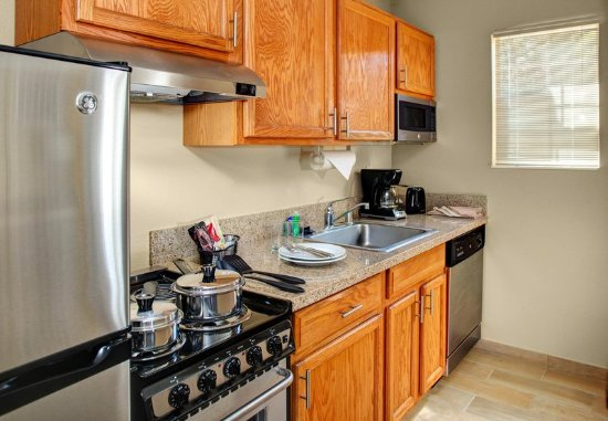 TownePlace Suites Fresno: Two-Bedroom Suite - Kitchen