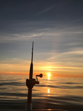 Lauklines Kystferie: Fishing in the midnight sun