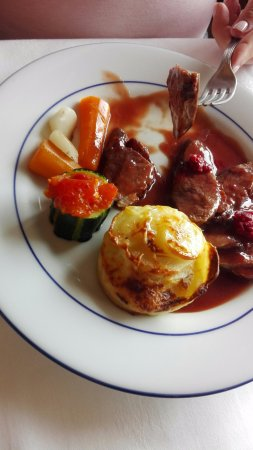 Penvenan, France : Magret de canard sauce frambroise
