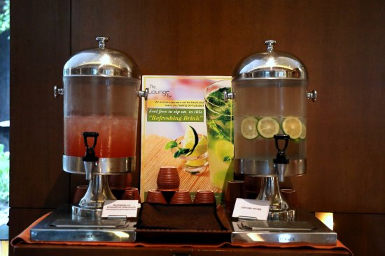 Hyatt Amritsar: Complimentary Refreshing drink dispenser placed at Lobby level for those hot summer days