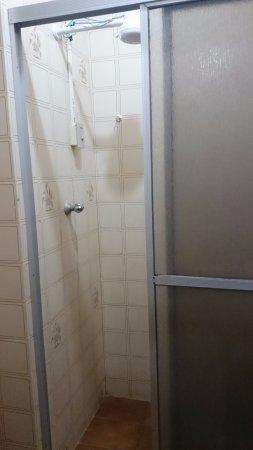São Raimundo Nonato, PI: Banheiro, andar superior.