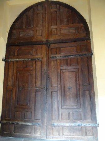 Montesquieu-Volvestre, Франция: Porte de l'église