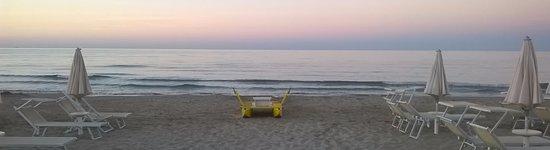 Spiaggia 47 Riccione: tramonto sull'Adriatico