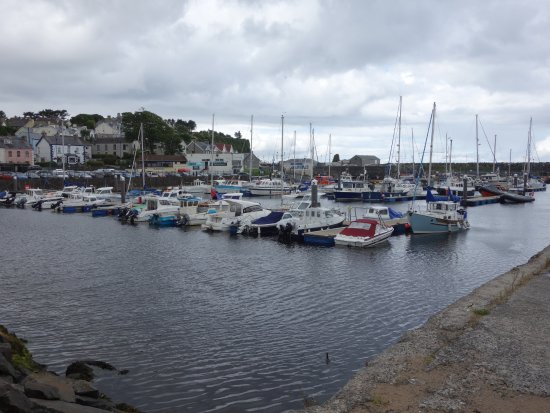 Ballycastle, UK: Tranquil harbour