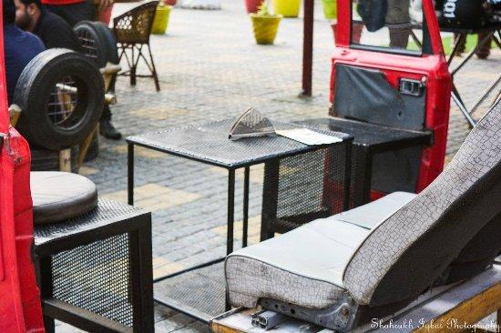 chill out area billede af food garage panipat tripadvisor. Black Bedroom Furniture Sets. Home Design Ideas