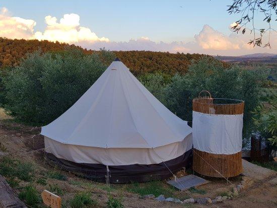 Petroio, Italy: Zelt mit Dusche