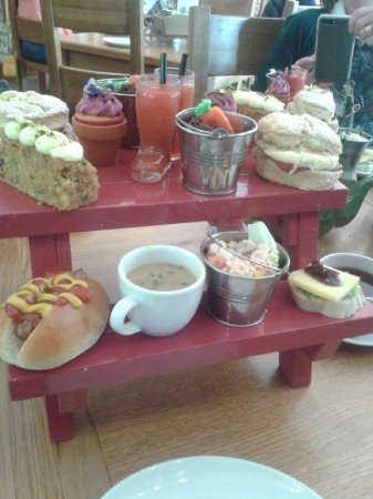 Bolton by Bowland, UK: The Garden Kitchen, Holden Clough Nursery