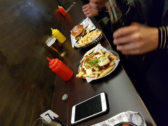 Burger Junkie: 20170810_190107_large.jpg