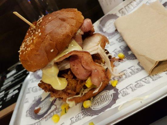 Burger Junkie: 20170810_190054_large.jpg