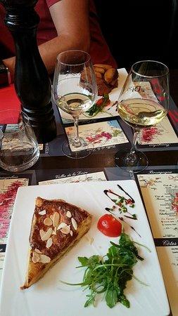 restaurant di 20 wine bar cave restaurant dans saint nazaire avec cuisine autres cuisines. Black Bedroom Furniture Sets. Home Design Ideas