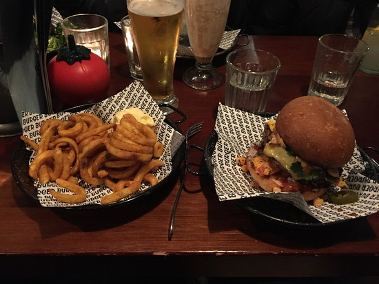 Takapuna, Nowa Zelandia: Burger and curly fries