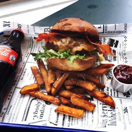 Social Food Burgerjoint