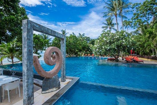 New Star Beach Resort: Large Infinity Beach Pool