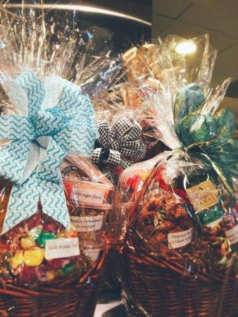 Cook's Fresh Market: Gift Baskets