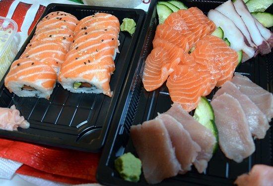 Yvetot, فرنسا: makis et sushis ( plat à emporter ! )