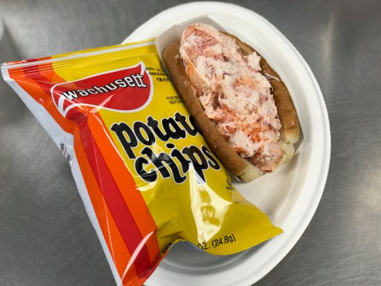 North Hampton, NH: Try a lobster roll today!
