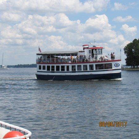 Patriot Cruises Photo