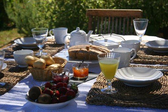 Limeuil, France: Le petit déjeuner