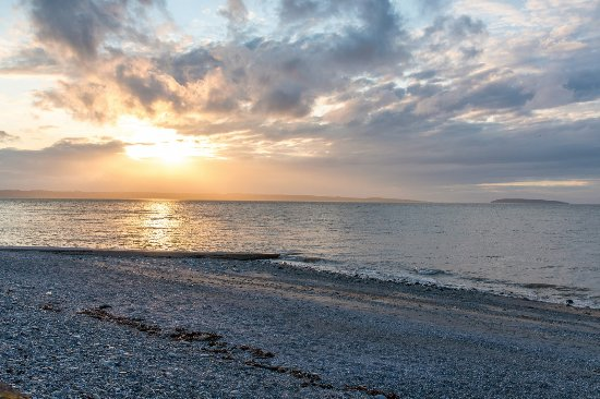 Beach - Picture of Sunnysands Caravan Park, Talybont - Tripadvisor
