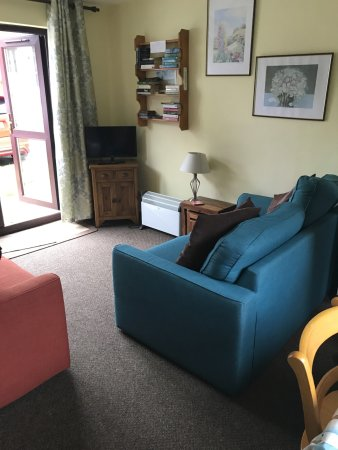 Gulval, UK: Living area bungalow no 22.