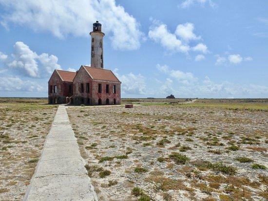 Curaçao: Oude verlaten vuurtoren op Klein Curacao
