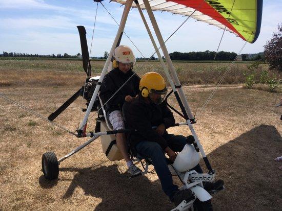 Coufouleux, France: Installation derrière le pilote
