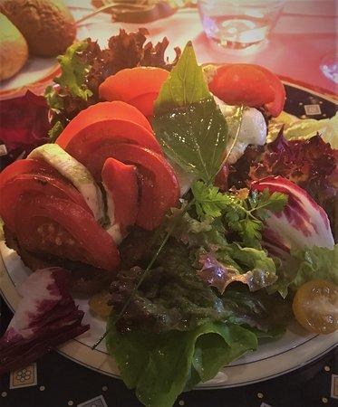 Restaurant La Couronne: Mozzarella, Tomates et Olive, en Bruchetta.