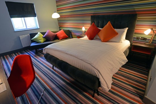 Village hotel wirral bromborough reviews photos - Wirral hotels with swimming pools ...