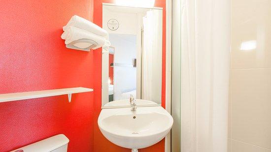 b b h tel colmar vignobles ouest b b hotel colmar vignobles ouest wintzenheim. Black Bedroom Furniture Sets. Home Design Ideas