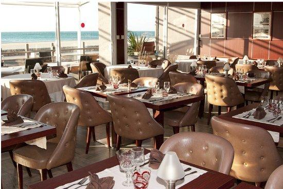 Salle Du Restaurant Picture Of Le Mediterranee Port La Nouvelle - Hotel du port port la nouvelle