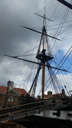 Hartlepool, UK: Mast & rigging