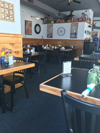 Pawcatuck, CT: Right side of cafe